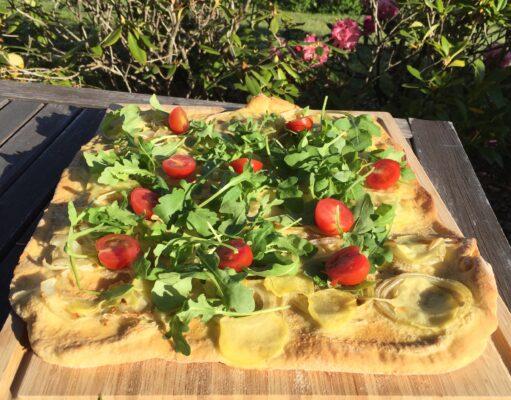 Vegansk pizza med kartoffel